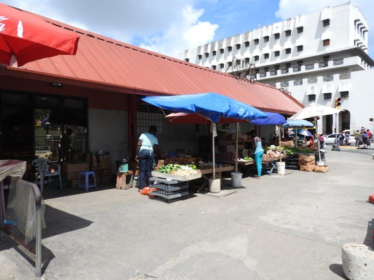 outdoor vegetable vendors